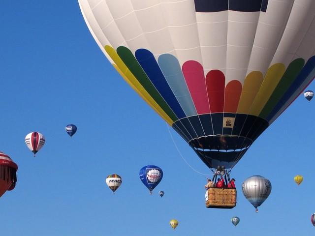 Schlitz in Hessen: Heißluftballon muss notlanden - fünf Verletzte