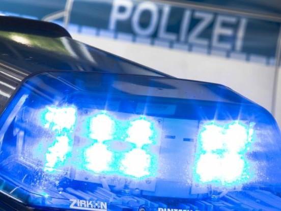 Gewaltverbrechen in Bispingen: Leiche von Mutter und Sohn (4) gefunden, Tochter (11) vermisst - Mann in Haft