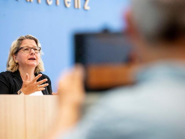 """""""Rückenwind"""" für Klimaambitionen: Greta Thunberg inspiriert Umweltministerin"""