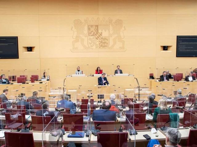 """Strenge Regeln für Abgeordnete in Bayern: """"Schärfstes und modernstes Gesetz Deutschlands"""""""