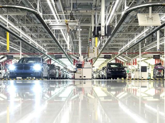 Deutsche Autoindustrie: Ein paar Ladesäulen sind noch keine Zukunft