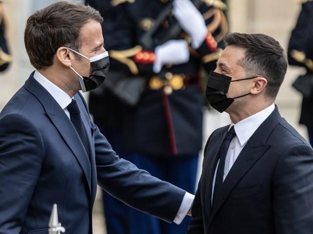 Im Ukraine-Konflikt: Macron, Selenskyj und Merkel fordern Abbau russischer Truppen
