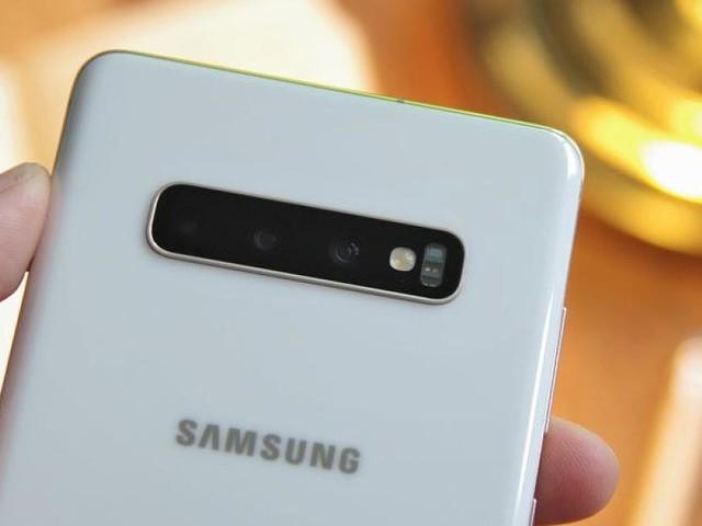 - Samsung Galaxy S10: Update bringt begehrten Kamera-Nachtmodus
