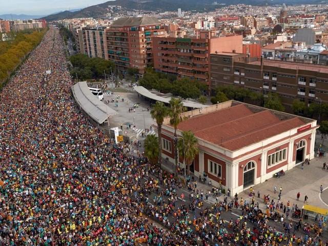 Gewaltexzesse hinterlassen Scherben und Ärger in Barcelona