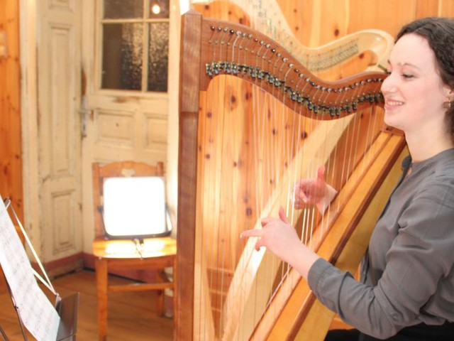 """""""Dann hat der Papa mir eben eine Harfe gebaut"""""""
