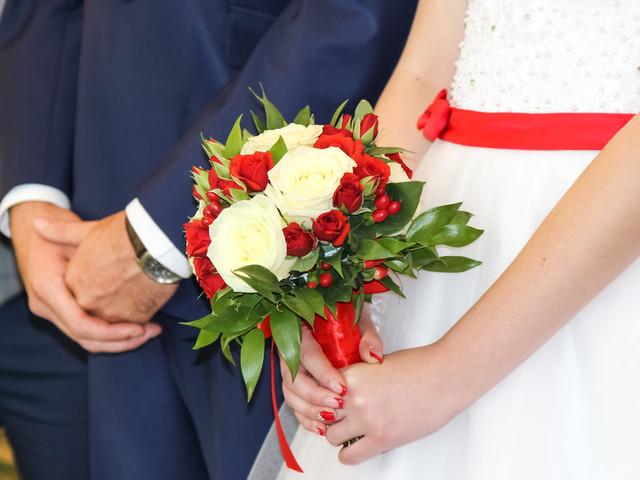 Hochzeit: Paar ist kurz vor Ja-Wort – Witz des Bräutigams lässt Trauung platzen
