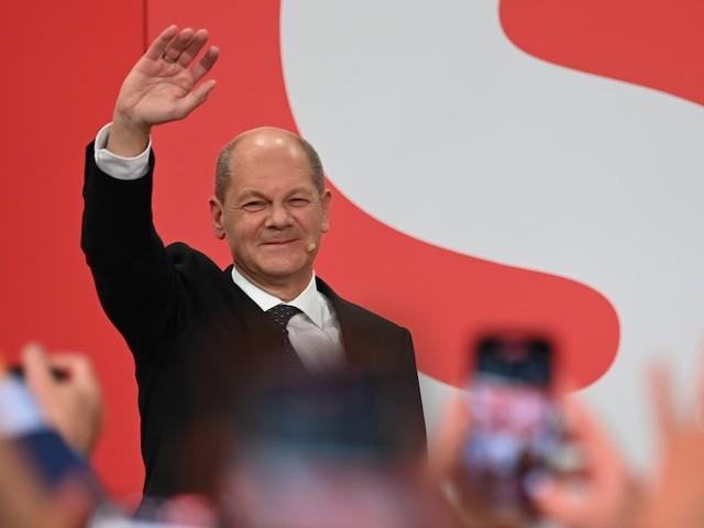 """Gastbeitrag von Christoph Butterwegge - Ausgerechnet unter """"Sozial""""-Kanzler Scholz werden die Ärmsten weiter abgehängt"""