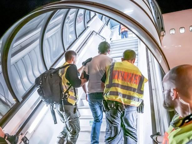 Migration: Deutschland stoppt Abschiebungen nach Afghanistan
