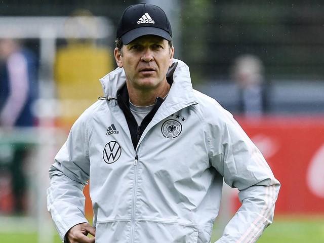 Bierhoff erklärt: Darum reist das DFB-Team mit dem Bus in die Schweiz