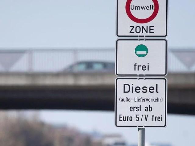 Hohe Schadstoffbelastung in Stuttgart - Jetzt auch Euro-5-Diesel betroffen: Hier drohen ab 2020 neue Fahrverbote
