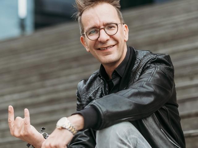 """Und Ihr Geld so, Gerald Hörhan? - Investment Punk: Wer 40 Stunden arbeitet, muss """"halt arm und bescheiden"""" leben"""