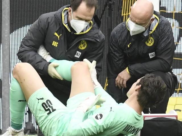 Diagnose da: BVB-Torhüter Hitz fällt mit Knieverletzung für Pokalfinale aus