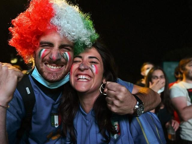 EM 2021: Die Fans sind zurück - und Rom feiert ein (kleines) Fußballfest
