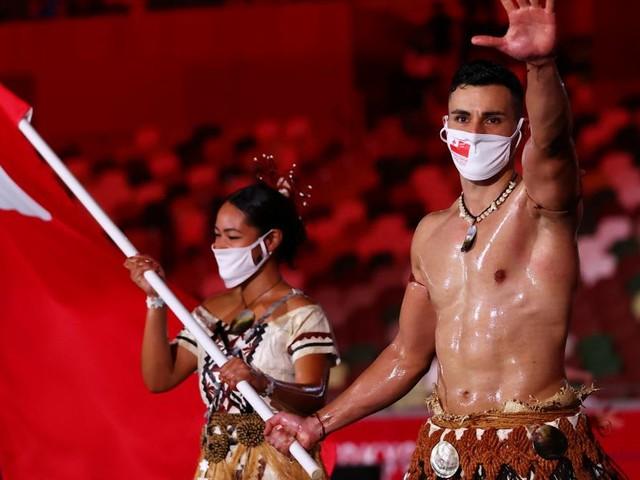 Öliger Herkules: Die besten Memes zur Eröffnung der Olympischen Spiele
