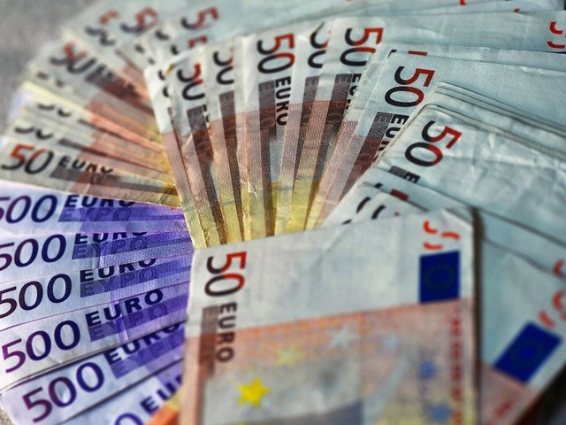 Sparbuch, Aktien, Bitcoins: Wie die Bundesbürger ihr Geld anlegen