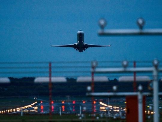 Hamburg - Bombenentschärfung legt Flughafen lahm