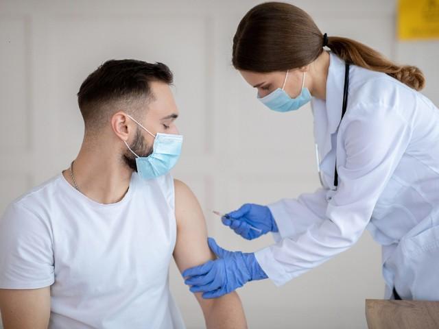 COVID-19: Deutlich stärkere Immunantwort bei Impfstoffkombination