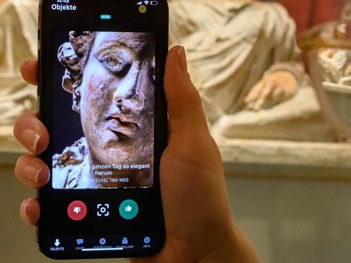 """Museums-App """"Ping!"""" lädt zum Tinder-Match mit Kunstgegenständen"""