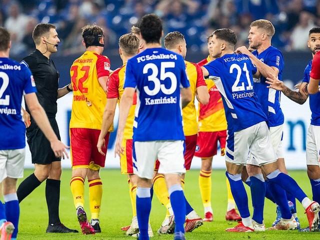 2. Bundesliga am Freitagabend: Turbulente Schlussphase auf Schalke