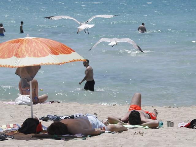 """Corona-News: Mallorca tritt wegen hohen Corona-Zahlen auf die Party-Bremse ++ Über 12.000 Neuinfektionen in Frankreich – """"sind in die vierte Welle der Epidemie eingetreten"""""""
