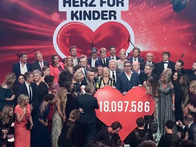 """Große Emotionen bei """"Ein Herz für Kinder"""": Promis sammeln 18 Millionen"""