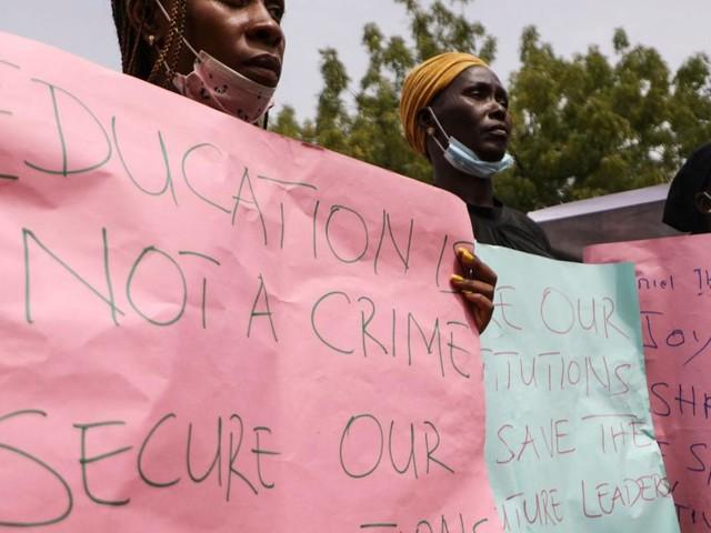 Erneut dutzende Schülerinnen in Nigeria entführt