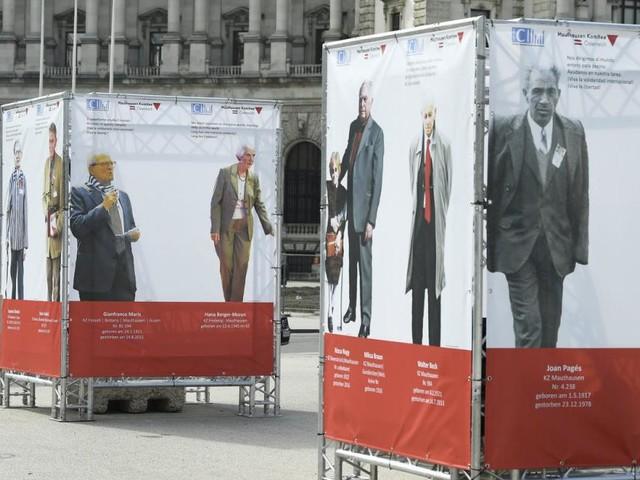 Gedenken gegen Rassismus mit Fotoinstallation am Heldenplatz
