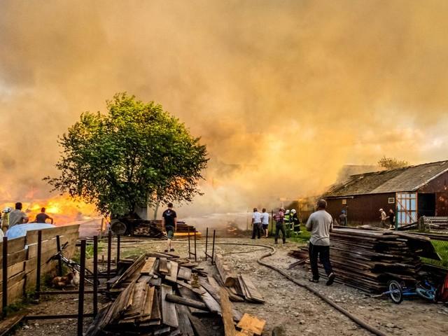 Polen: Aufräumarbeiten in verwüstetem Dorf Nowa Biała dauern an