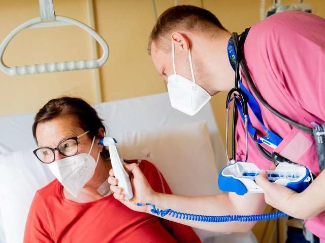Hohe Belastung, wenig Geld? Was Krankenschwestern und Pfleger wirklich von ihrer Bezahlung halten