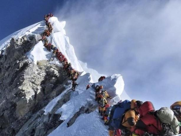 Unfälle vermeiden: Nepal will mehr Richtlinien für Mount-Everest-Bergsteiger