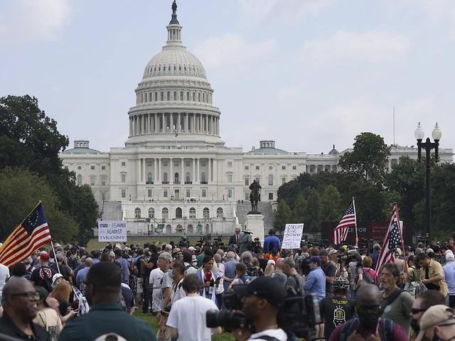 Deutlich weniger als erwartet: Trump-Fans demonstrieren vor Kapitol
