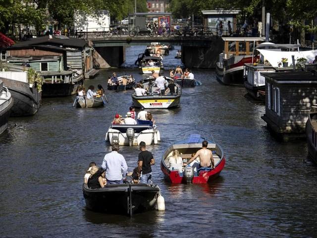 Minus 44 Prozent zur Vorwoche: Infektionszahlen in Niederlanden sinken stark