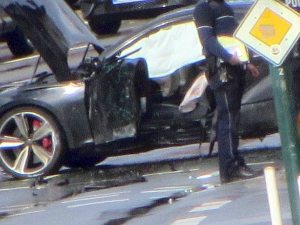 Unfall-Drama: Fahrer (21) in Essen rast in Fußgängerin: Frau hatte Glück