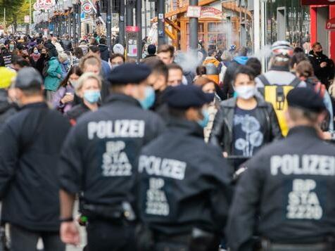 So lief der erste Tag mit Maskenpflicht in Berliner Einkaufsstraßen