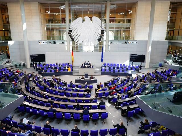 Kanzlerin Angela Merkel will Verantwortung für Selbsttests an Schulen nicht übernehmen