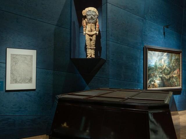 Rubens begegnet einem Dämon und einer Hasenpfote im Museum