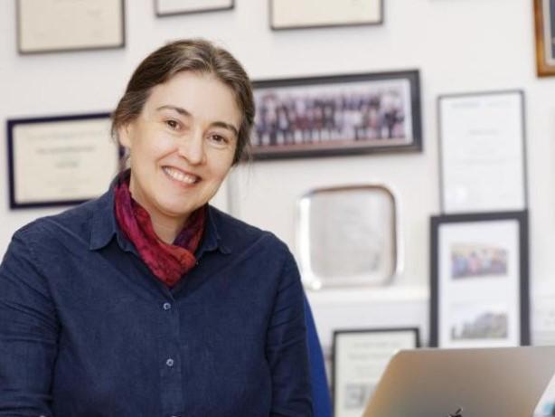 Forschungspreis: Neue Batterien für Klimaschutz: Körber-Preis für Clare Grey