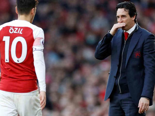 Auf Pressekonferenz: Arsenal-Coach Emery plaudert Özils Hochzeitspläne aus