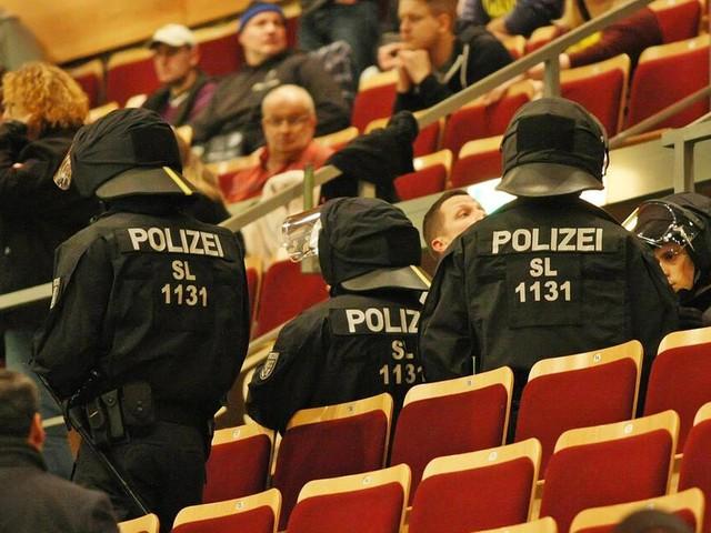 Saarbrücken: Hallenturnier eskaliert - Fans von Galatasaray randalieren - Zwei Verletzte