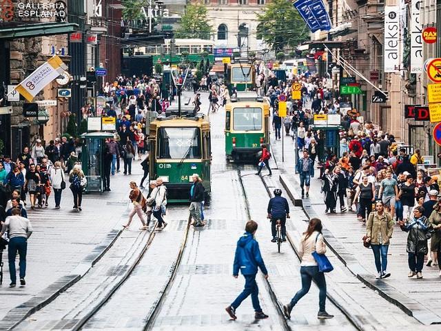Bedingungsloses Grundeinkommen - Finnland schenkt seinen Bürger Geld - doch die kapieren das Modell gar nicht