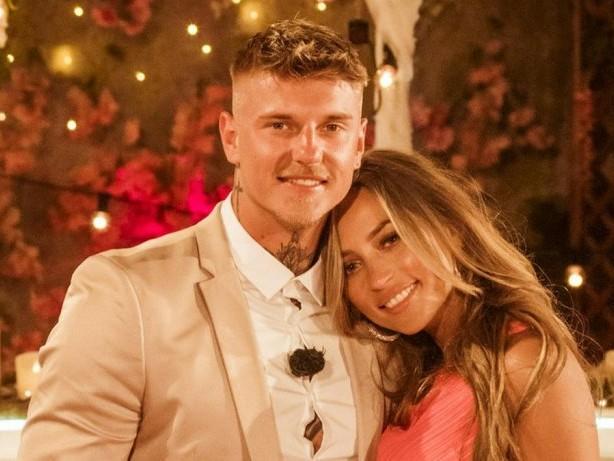 """Das sind ihre Zukunftspläne: """"Love Island"""": Paco und Bianca gewinnen das Finale"""