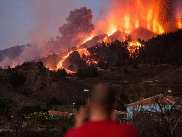 Spanien: Tausende nach Vulkanausbruch auf La Palma evakuiert