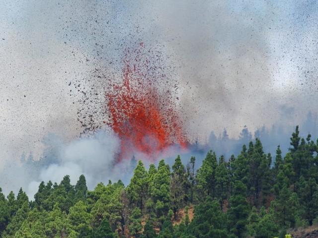 Vulkanausbruch auf La Palma - Lava erreicht erste Häuser
