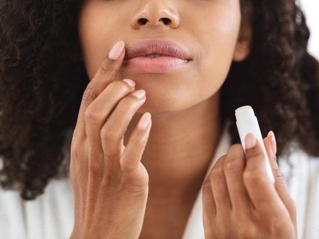 8 Beauty-Hacks: Schon gewusst, was Lippenpflege alles kann?