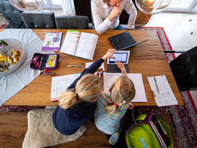 Neue Studie zeigt: Digitaler Distanzunterricht für den Lernerfolg so effektiv wie Sommerferien