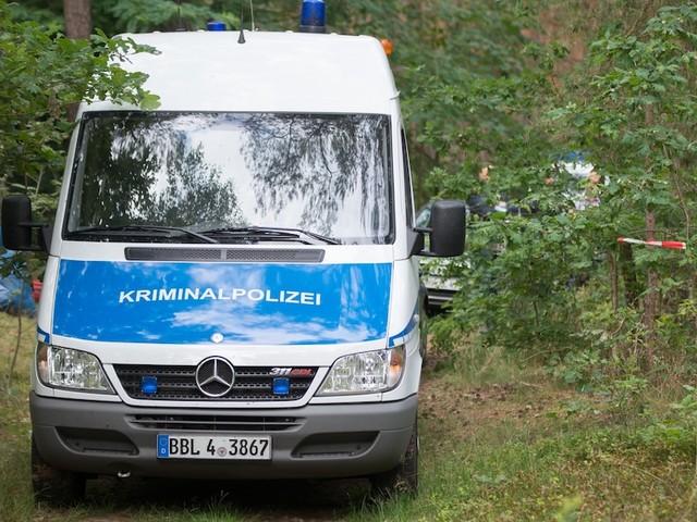 Familie gab Vermisstenanzeige auf - Oranienburg: Tatverdächtiger nach Leichenfund in altem Nazi-Bunker festgenommen