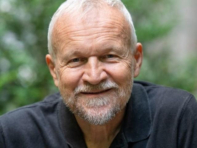 Hinter dem Eisernen Vorhang: Neue Biografie: Das erste Leben des Milan Kundera
