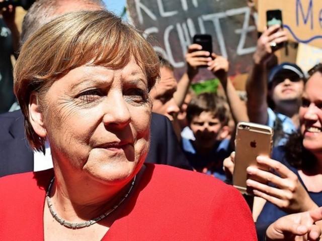 """Merkel rügt AKKs Abwehrhaltung zu Rezo: """"Das müssen wir lernen"""""""