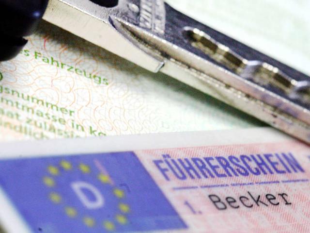 """Mann kauft in Lidl-Filiale """"Führerschein"""" für 300 Euro"""