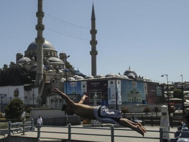 Pandemie: Türkei lockert Corona-Beschränkungen nach hartem Lockdown